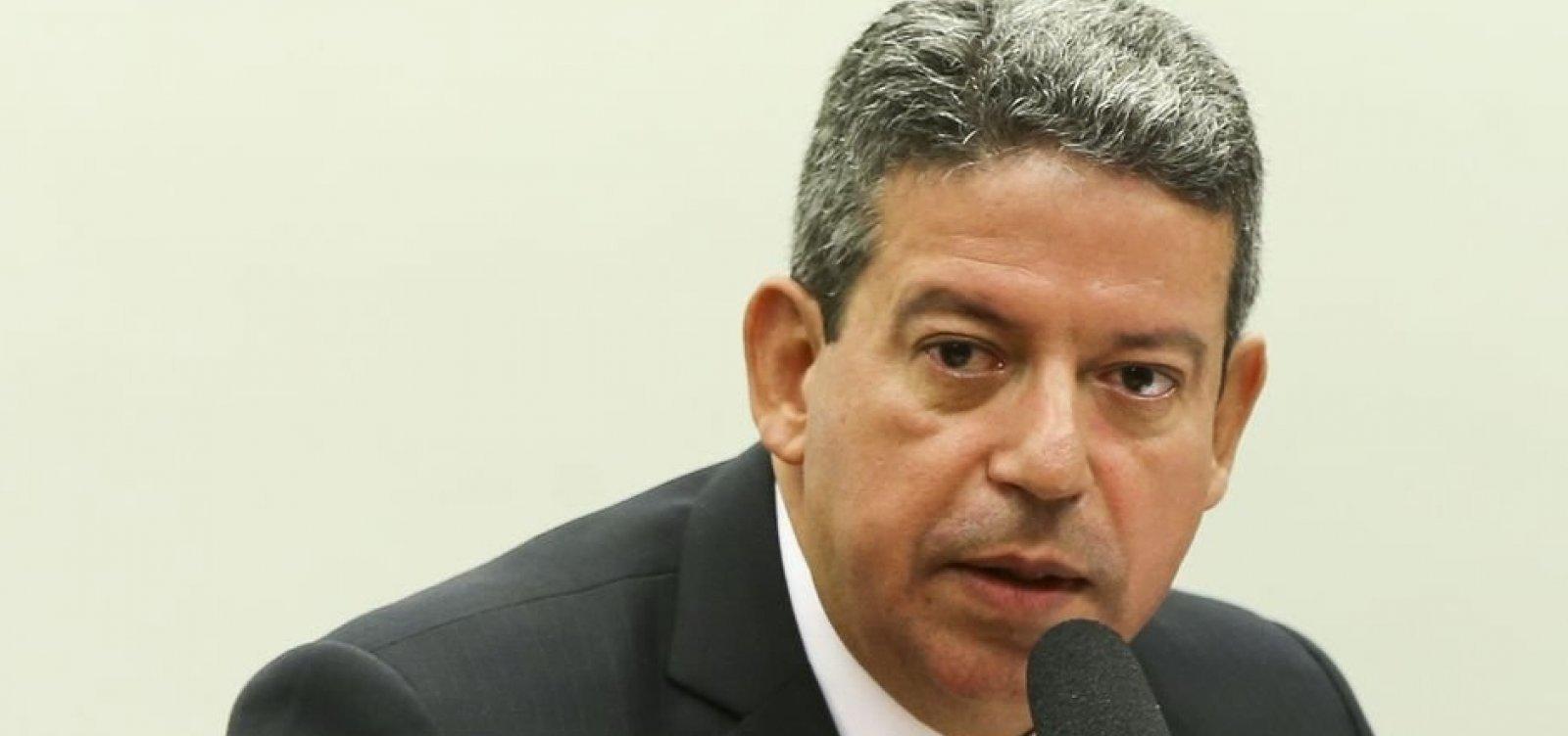 Troca de comando na Petrobras cria 'bolha histérica', diz presidente da Câmara