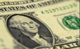 Dólar acumula alta em 48% sobre o real em 2015