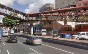 Homem morre em troca de tiros com a polícia na Av. Bonocô
