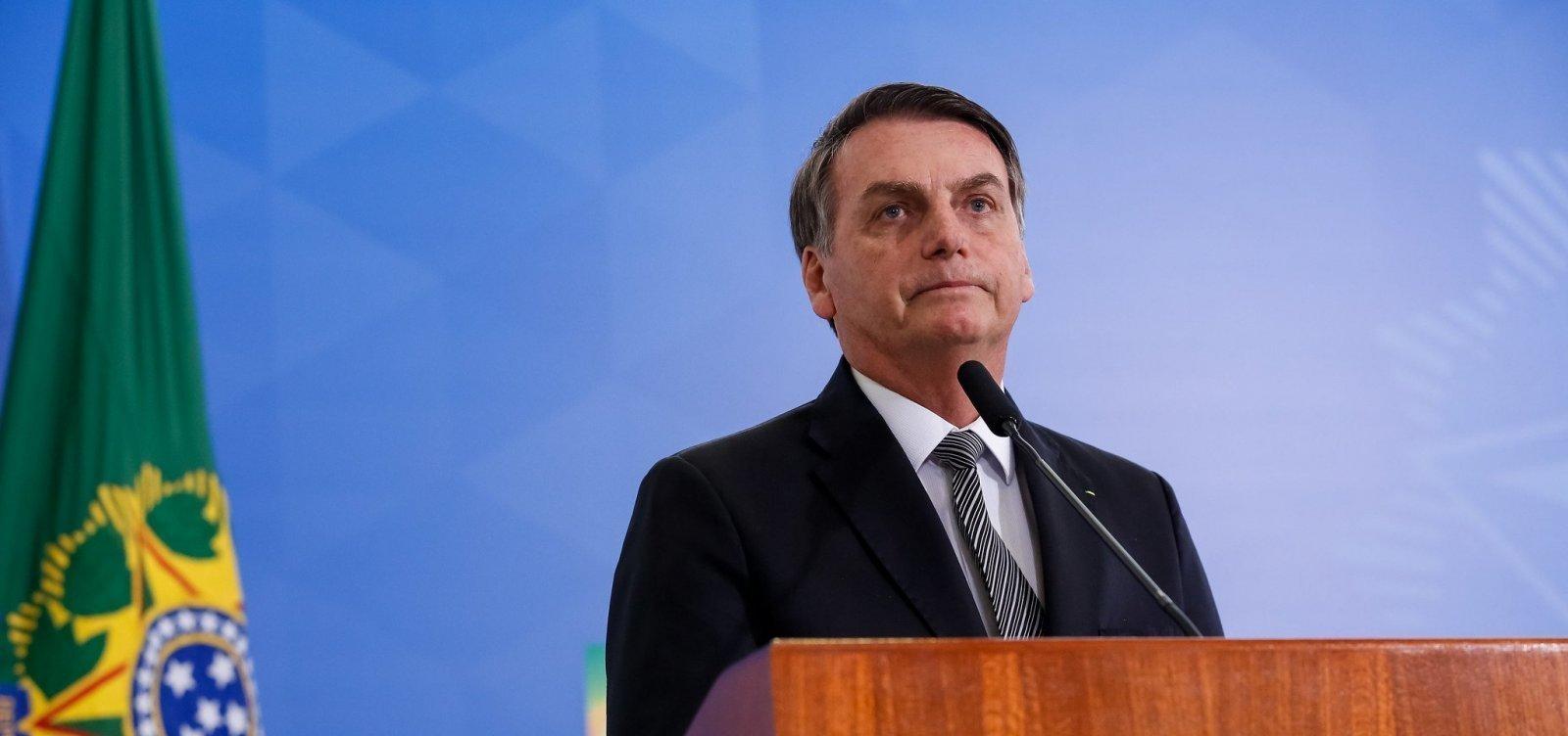 Assessores de Jair Bolsonaro na Câmara dos Deputados sacaram 72% do salário