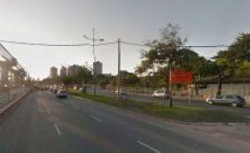 Motociclista morre em colisão com poste na Av. ACM, em Salvador