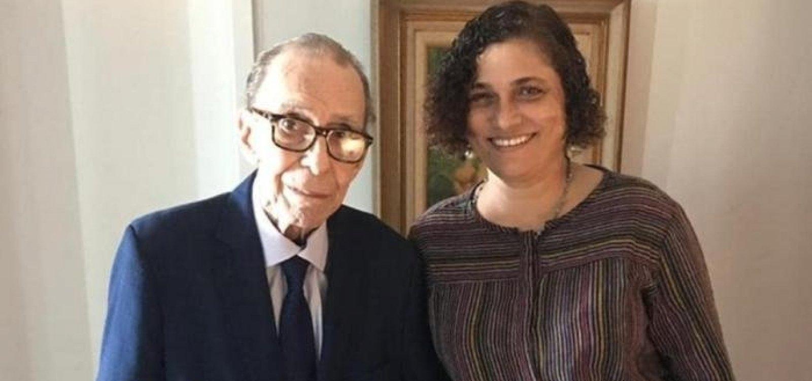 Justiça determina despejo da viúva de João Gilberto do apartamento onde vivia com o cantor