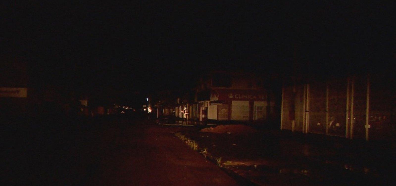 Apagão atinge 15 dos 16 municípios do Amapá; energia já foi retomada