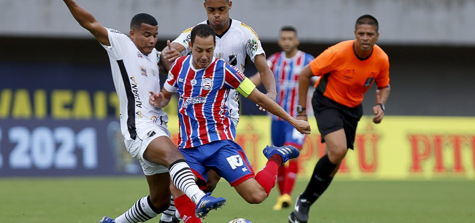 De virada, Bahia vence ABC por 2 a 1 e se classifica na Copa do Nordeste