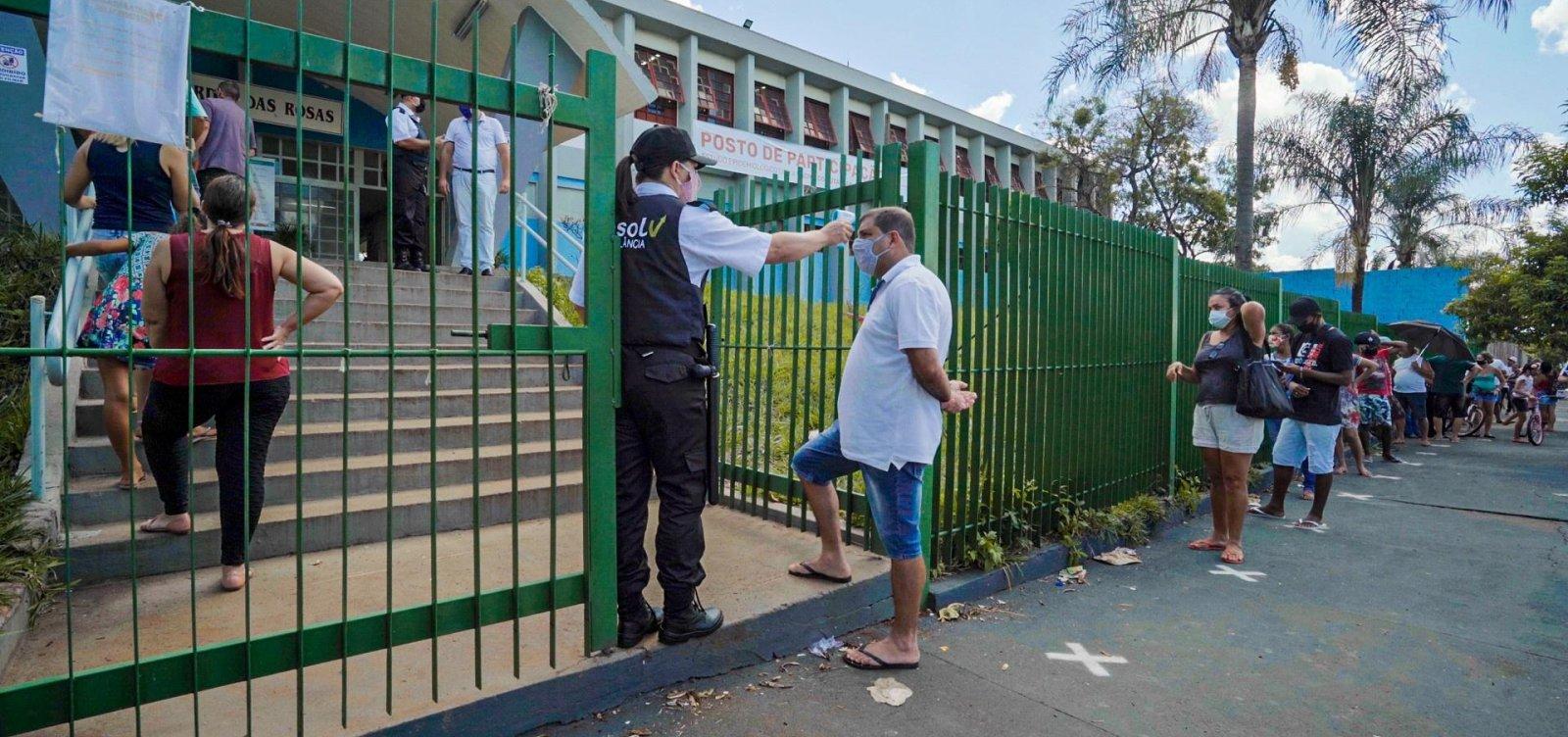 Serrana, em SP, conclui vacinação em massa contra Covid neste domingo
