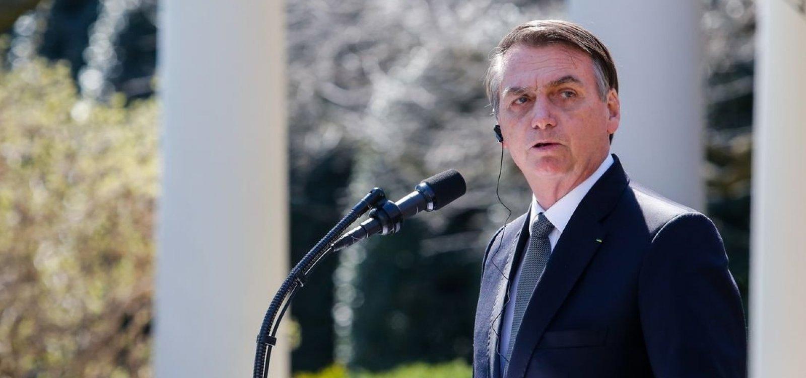 Bolsonaro critica senador por gravação de conversa