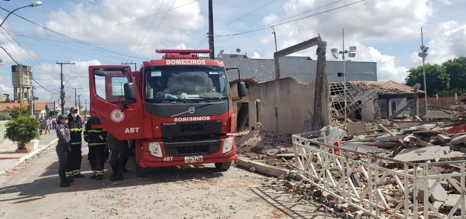Cinco casas foram atingidas com explosão em Crisópolis; bombeiros avaliam riscos