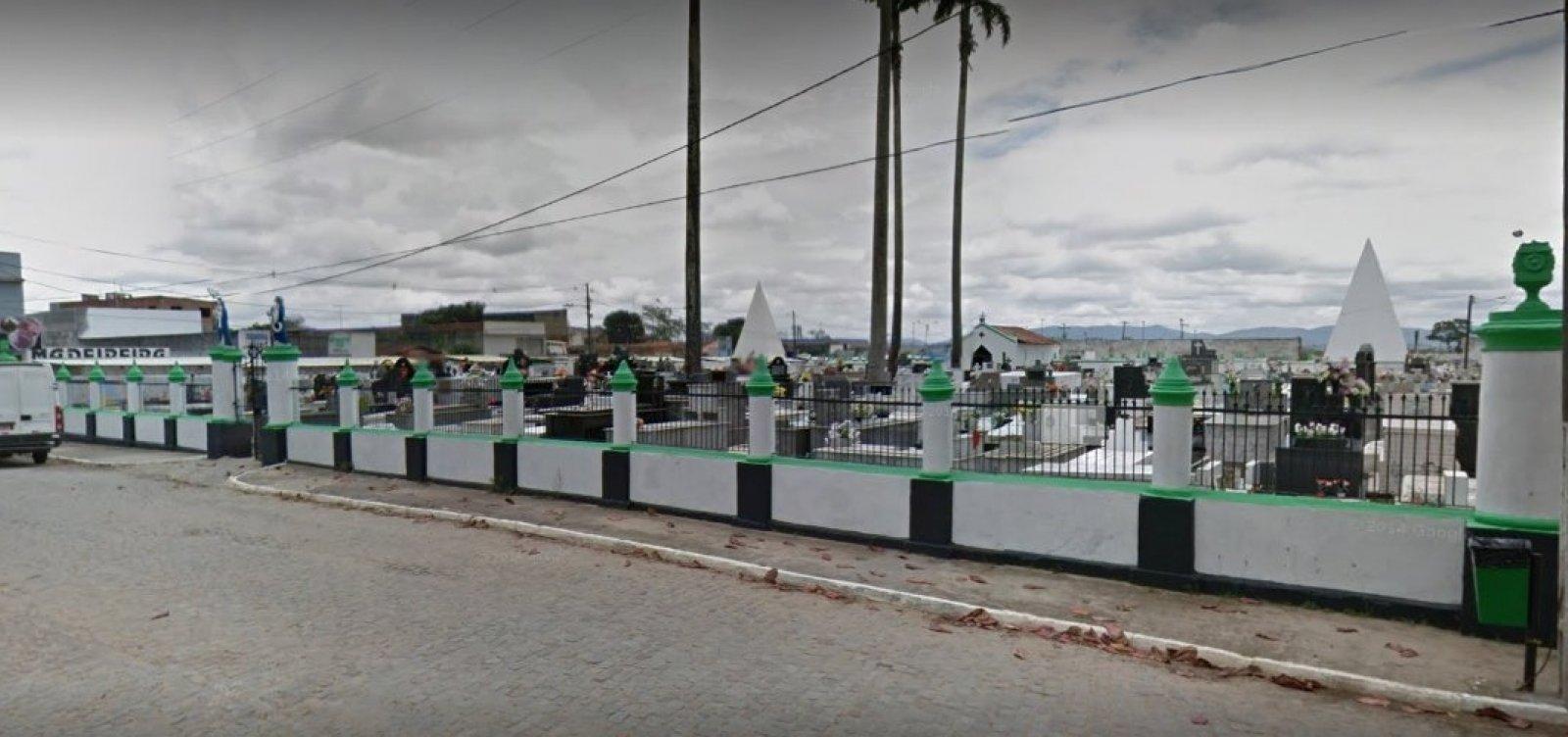 Com avanço da pandemia, cidade na Bahia projeta ampliar cemitério