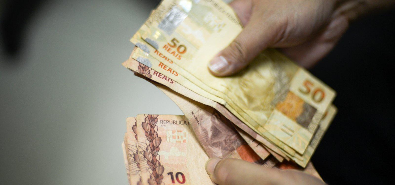 Sem aumento acima da inflação, governo propõe salário mínimo de R$ 1.147 para 2022
