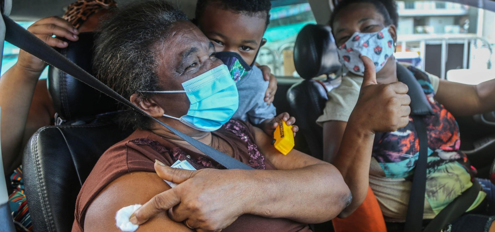 Bahia ultrapassa 2 milhões de vacinados contra covid, diz consórcio de imprensa