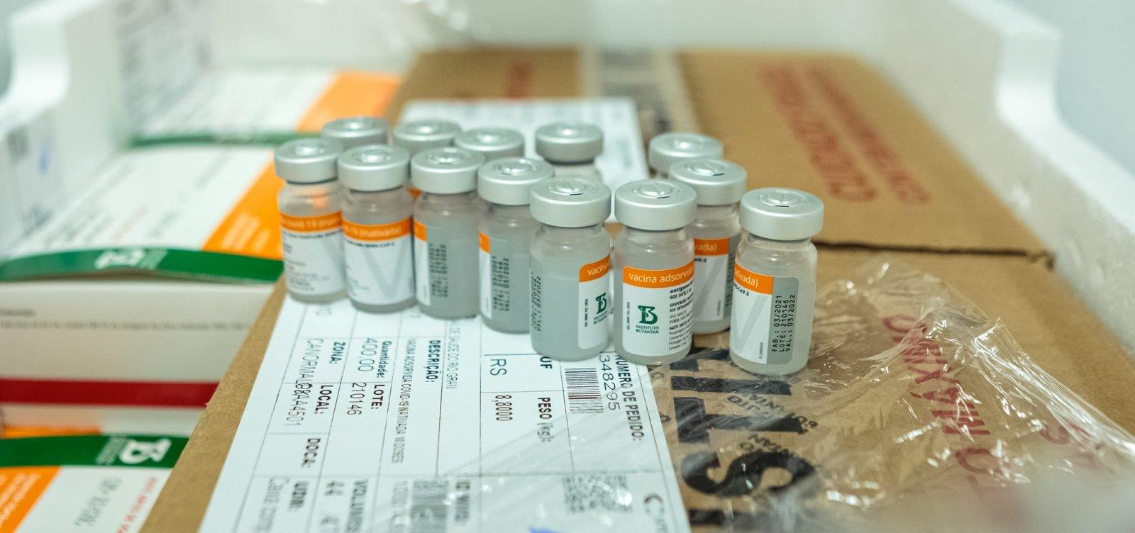 Quase 450 mil pessoas já se vacinaram contra Covid-19 em Salvador