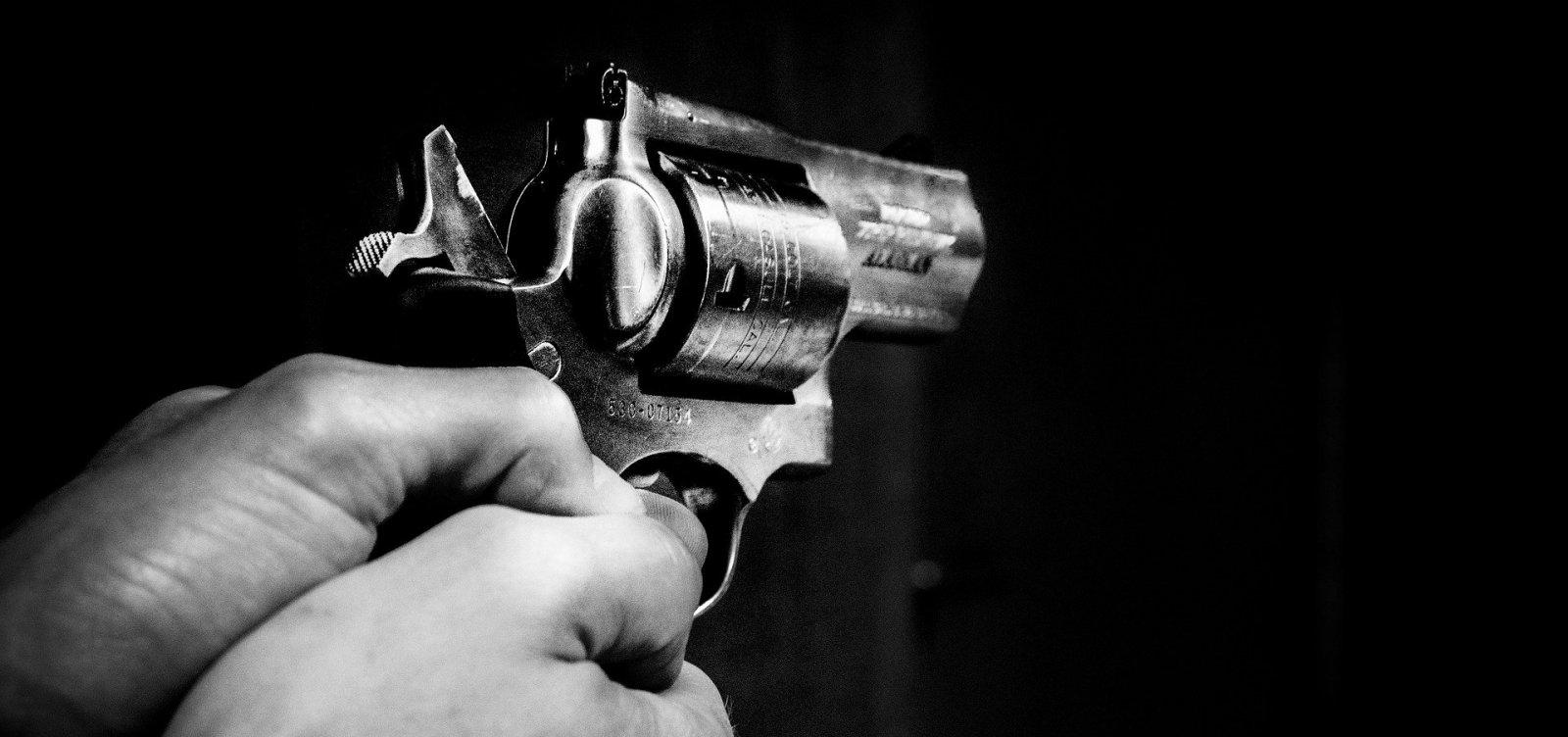 Em um ano, Covid-19 matou quatro vezes mais que violência em Salvador