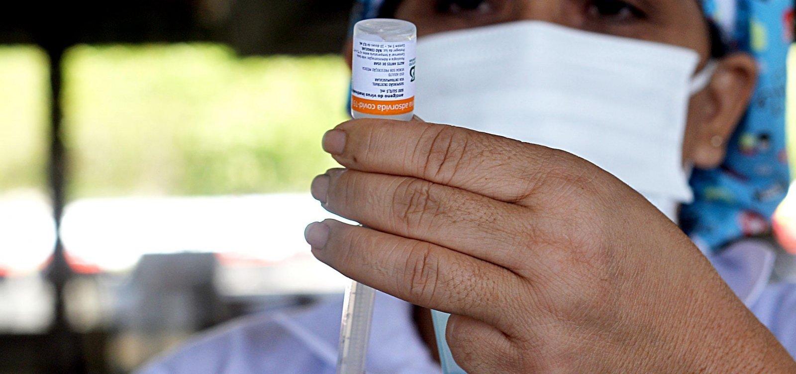Doulas criticam burocracia e dizem que documentos não evitam fraudes na vacinação