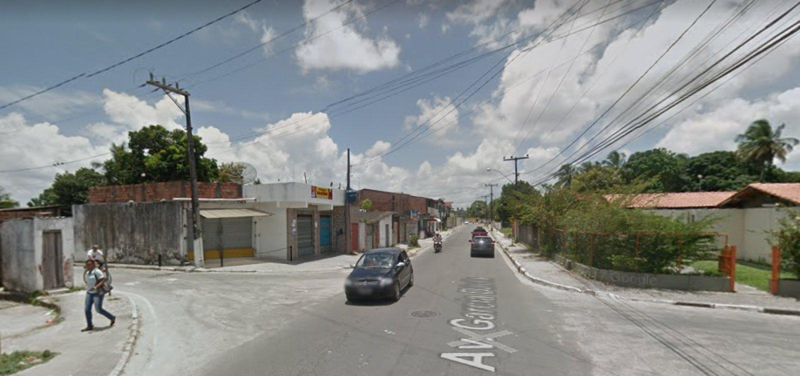 Dias D'Ávila: policial militar da reserva é baleado após discussão com vizinho