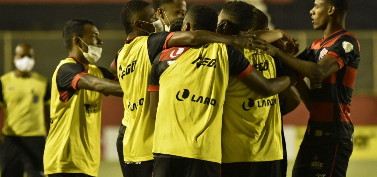 Com dois gols em quatro minutos, Vitória deixa vice-lanterna e projeta classificação no Baianão