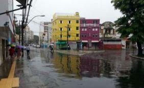 Moradores ficam até 2 dias sem energia elétrica durante chuvas em Salvador