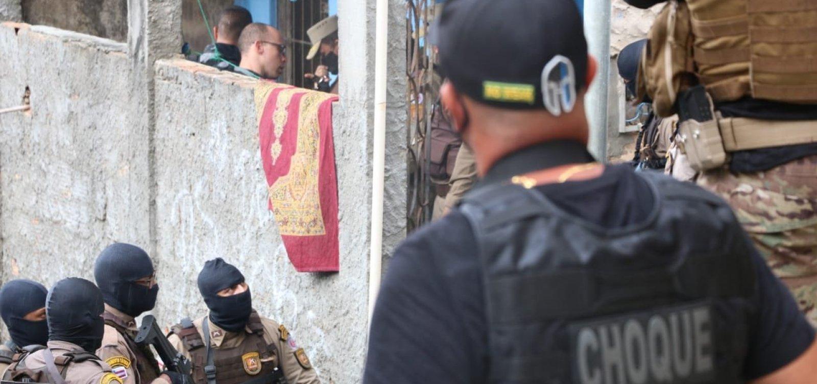 Ação policial cerca traficantes no Nordeste de Amaralina