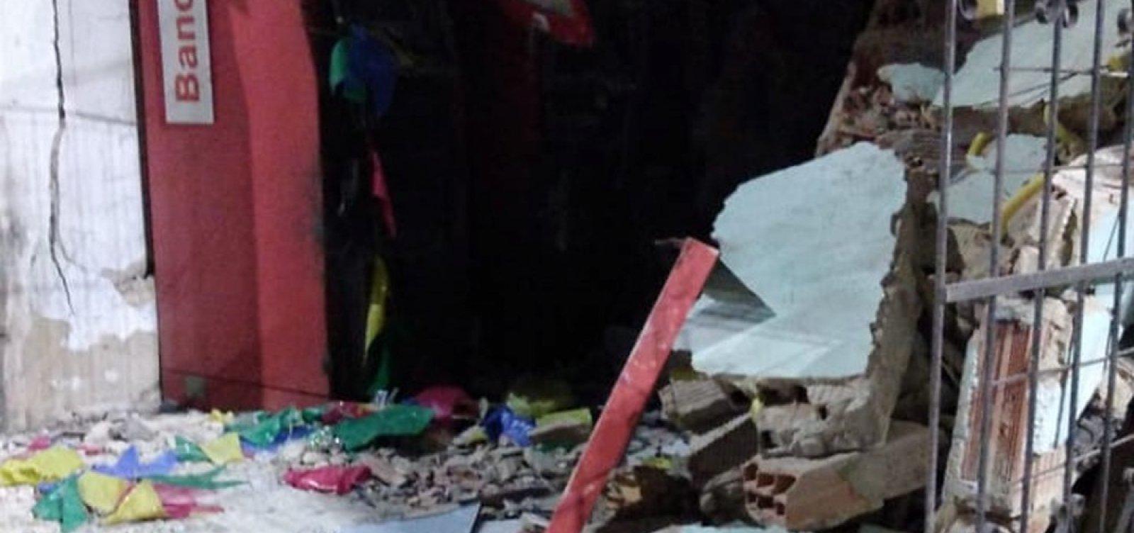 Bandidos explodem caixas eletrônicos em Mussurunga; é o 21º ataque no estado