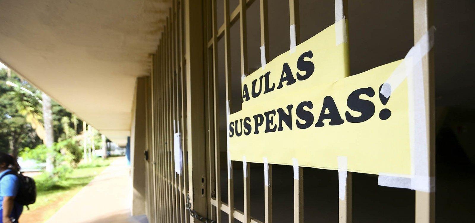 Sindicato diz que vai notificar escolas que convocarem professores