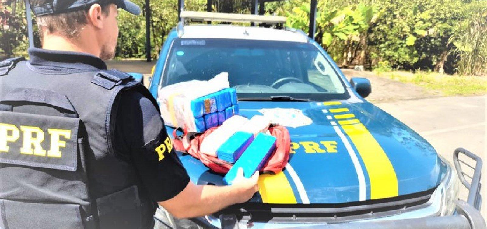 Mulher de 19 anos é presa em flagrante com 13 kg de maconha no sul da Bahia