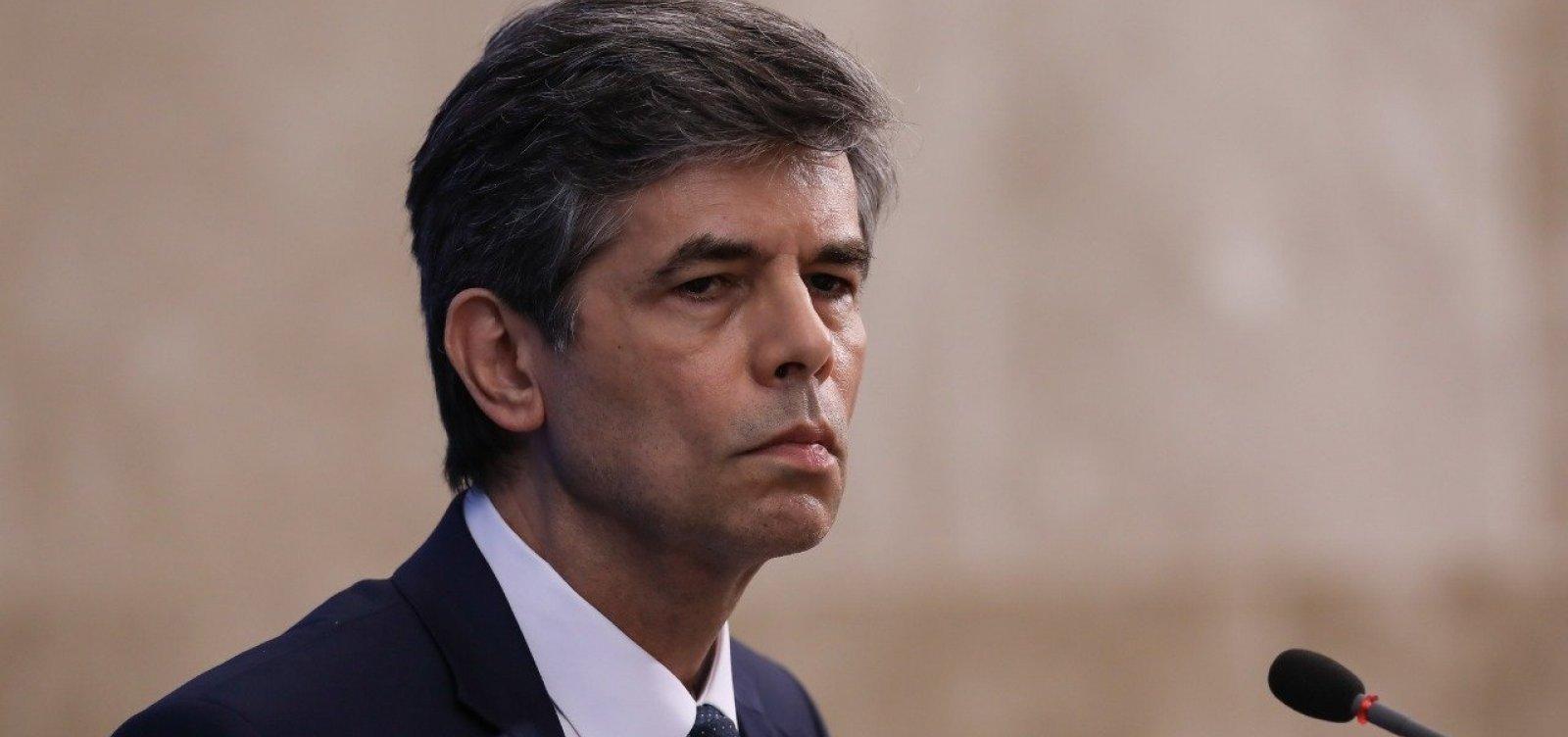 Insistência no uso da cloroquina provocou pedido de demissão, diz Teich em CPI