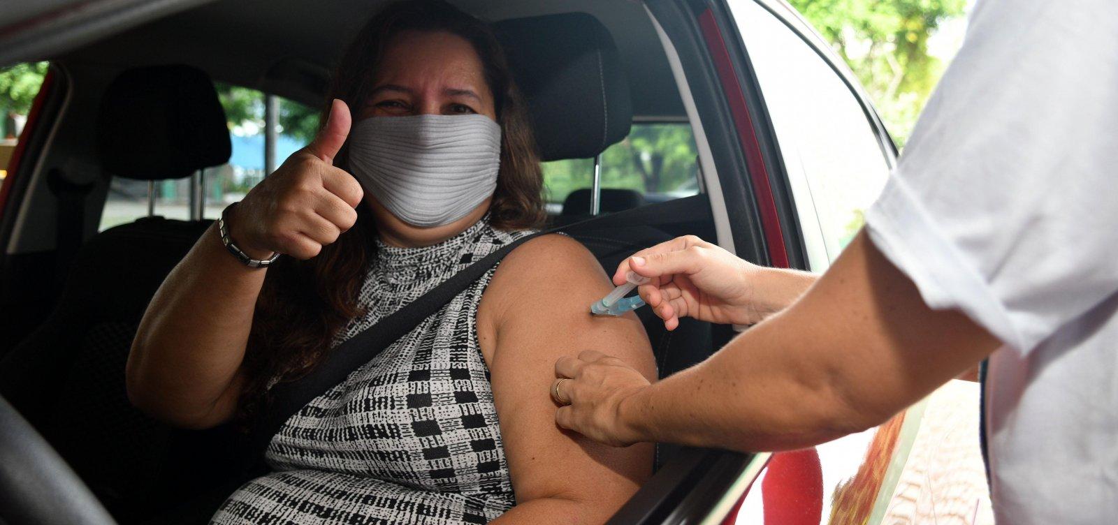 Salvador inicia vacinação contra covid de grávidas e mães de recém-nascidos nesta sexta