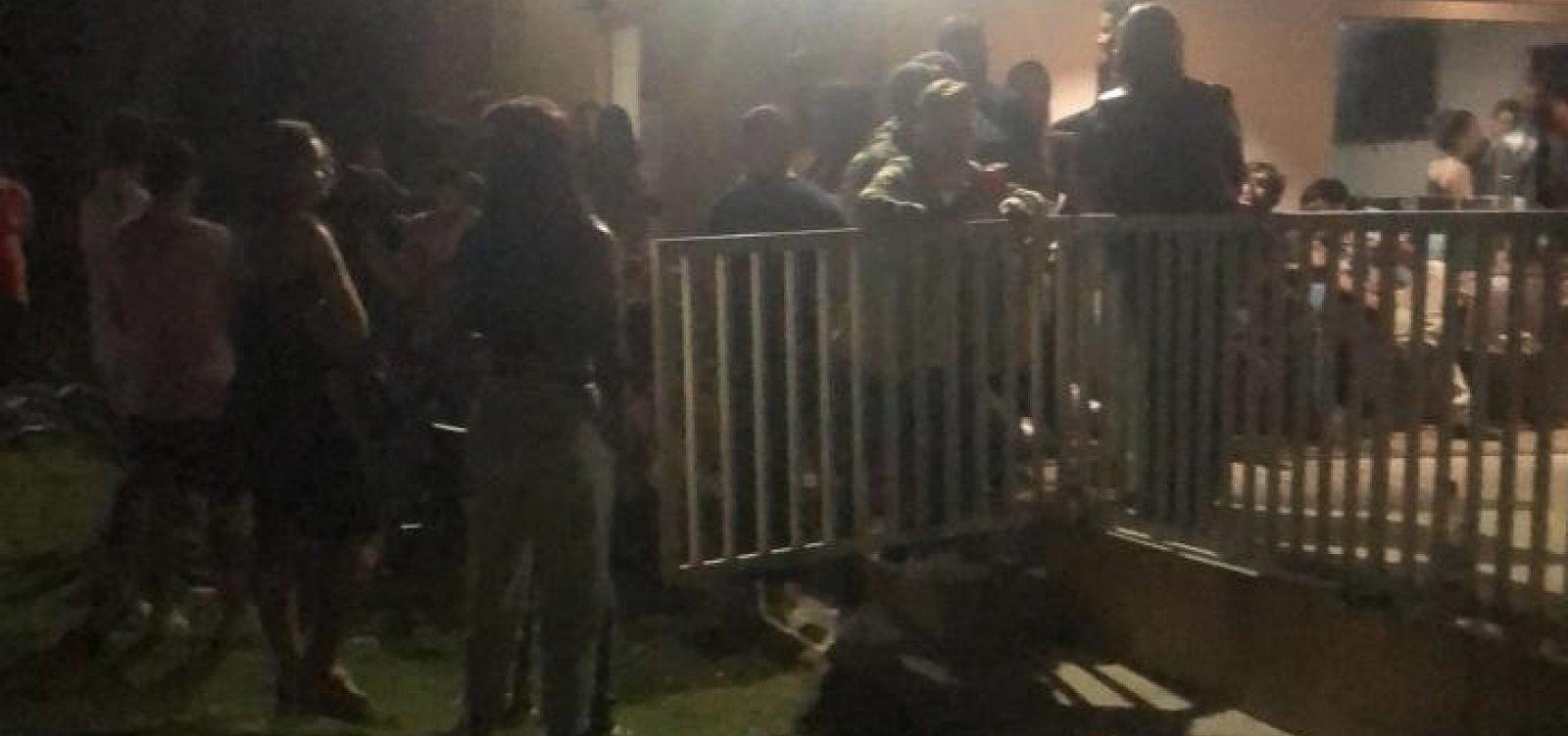 Após denúncia anônima, polícia encerra festa clandestina com mais de 100 pessoas em Conquista
