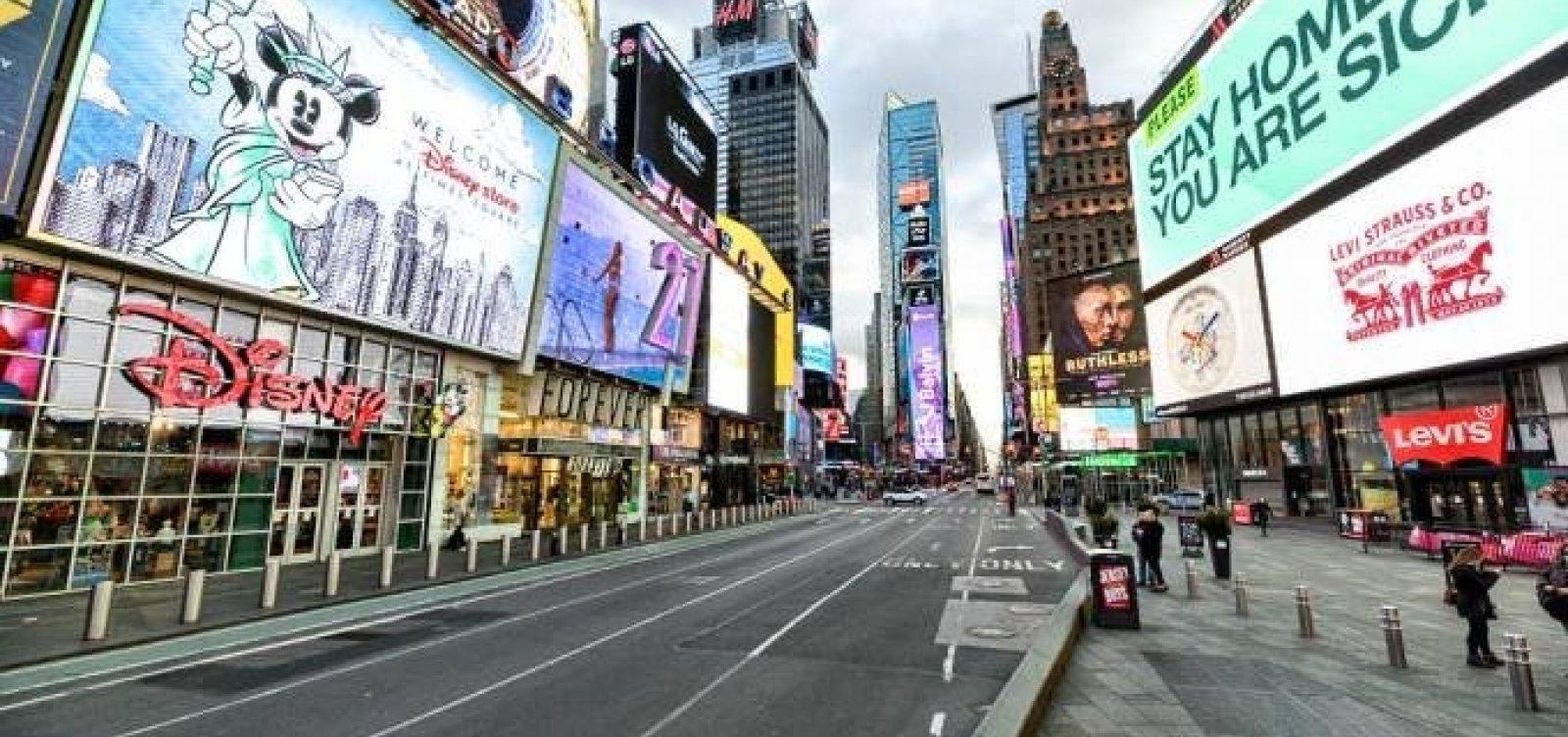 Nova York quer oferecer vacina a turistas