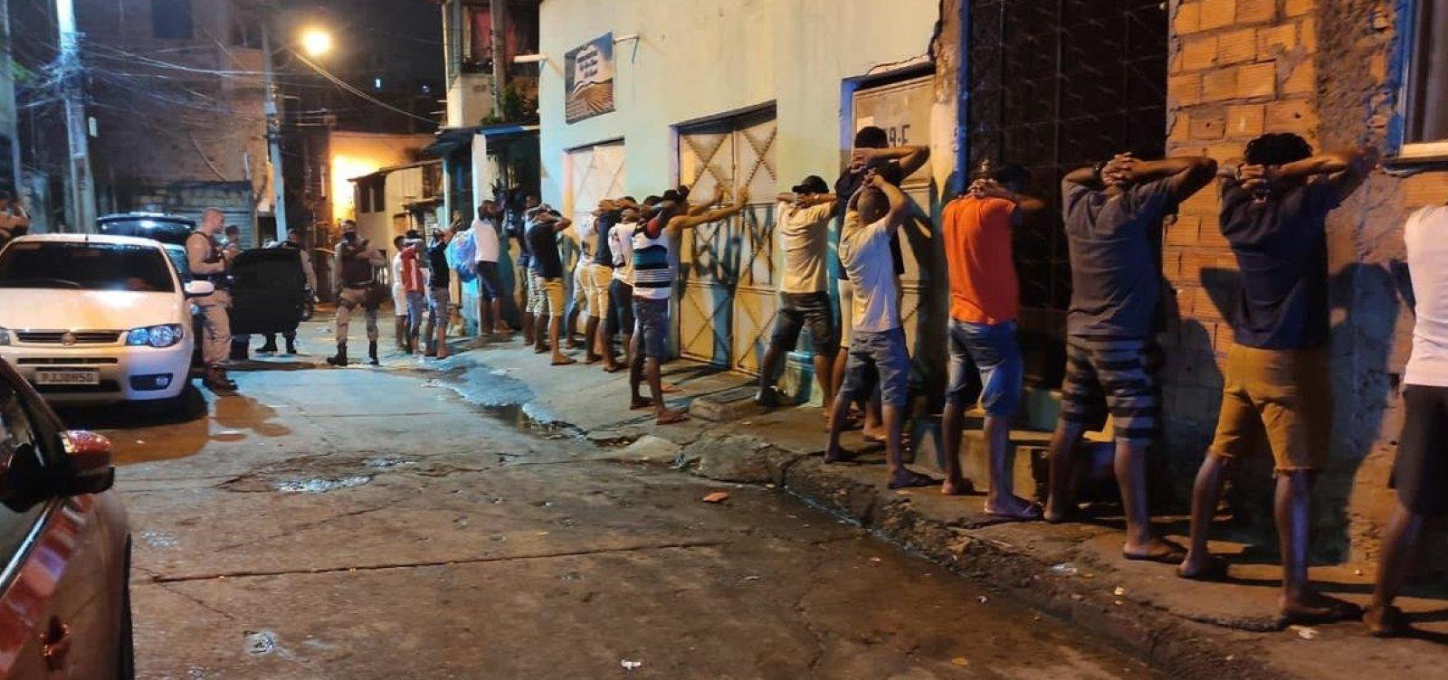 Prefeitura encerra 'paredão' com 2 mil pessoas em Arenoso