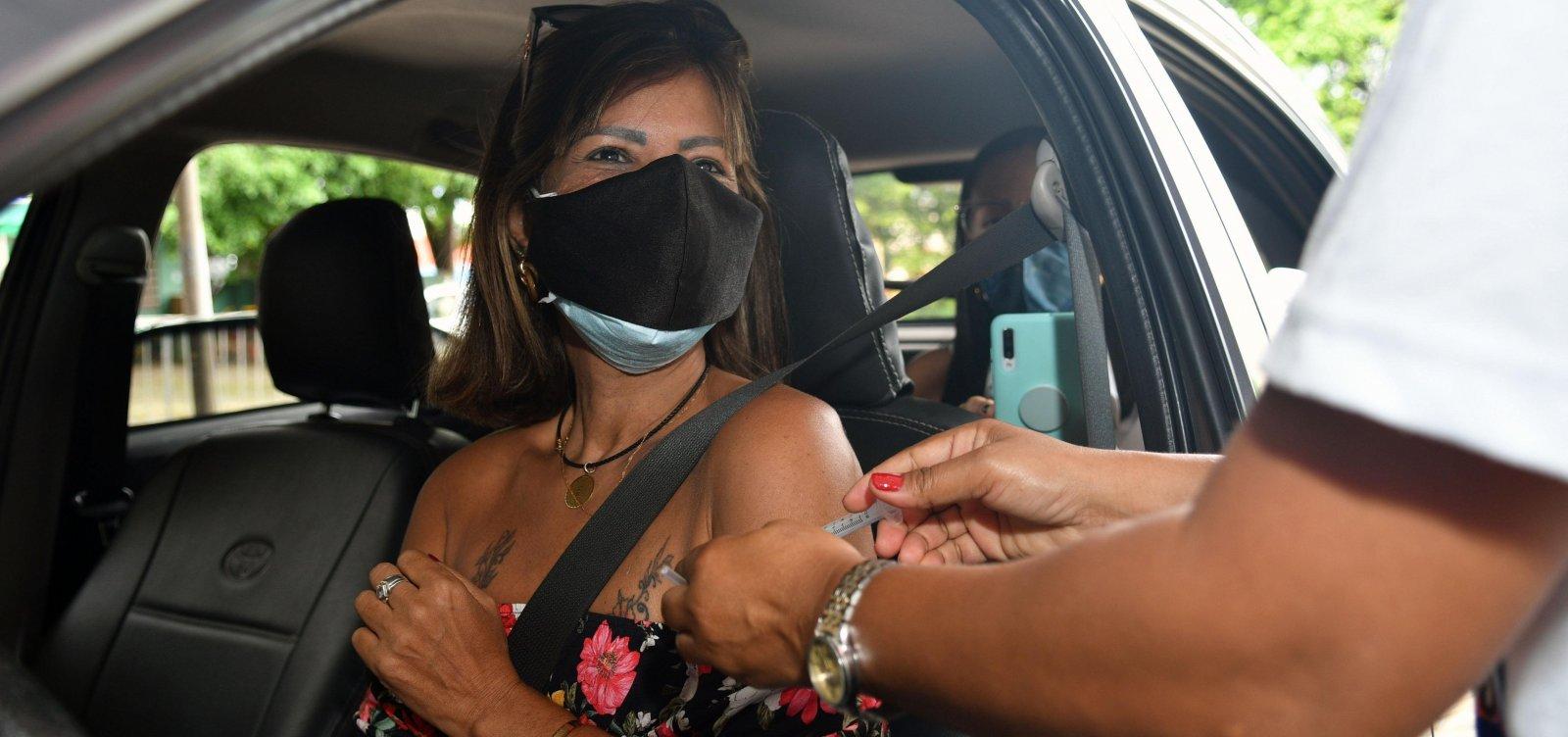 Vacinação contra covid segue e segunda dose é escalonada em Salvador; confira