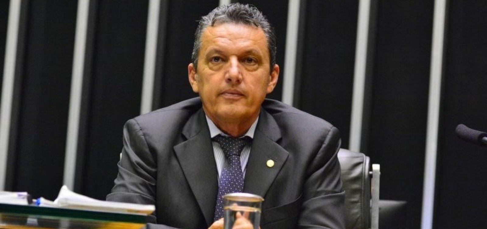 """Deputado baiano nega participação no 'tratoraço' e ataca imprensa: """"São contra o Nordeste"""""""