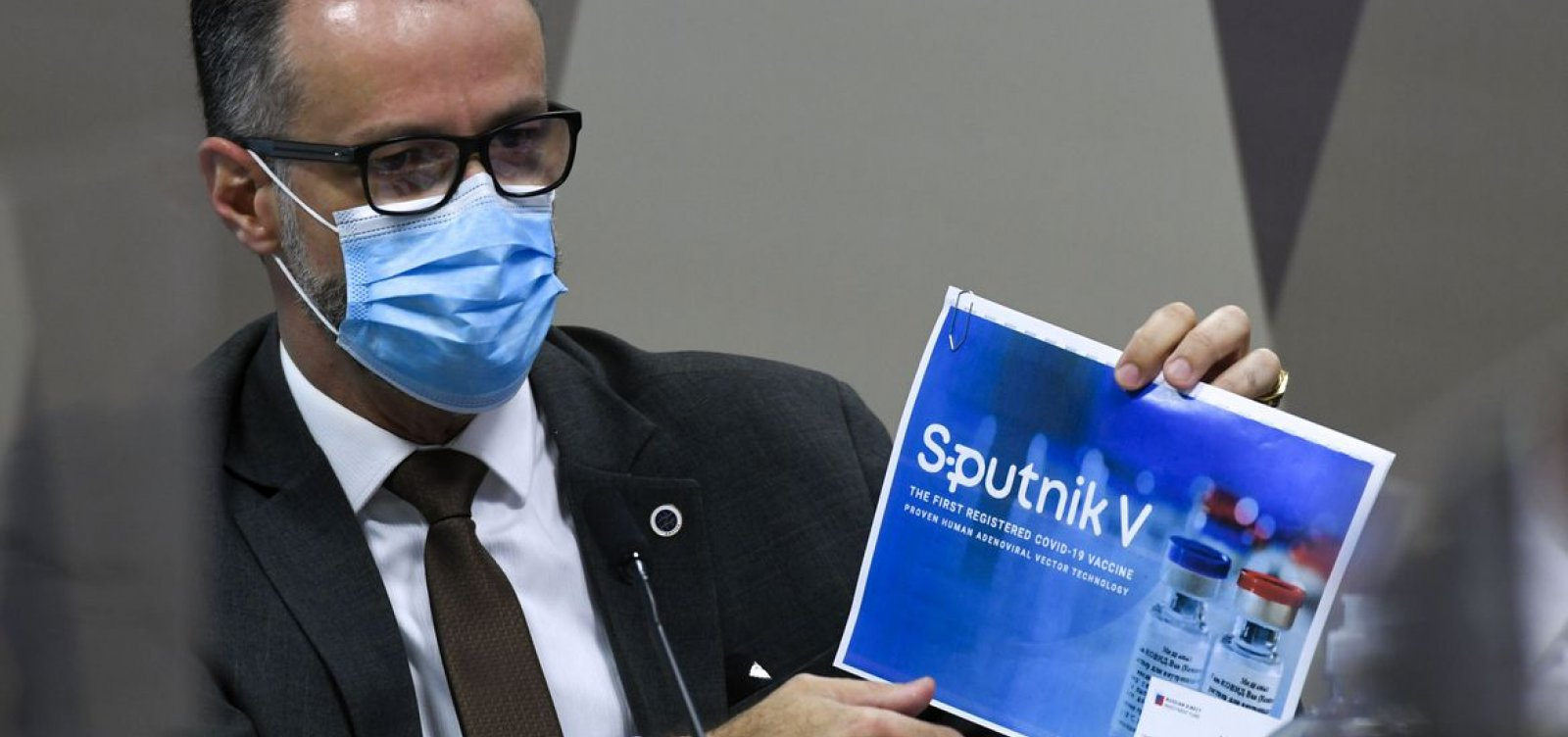 Diretor da Anvisa expõe discordância com Bolsonaro em depoimento