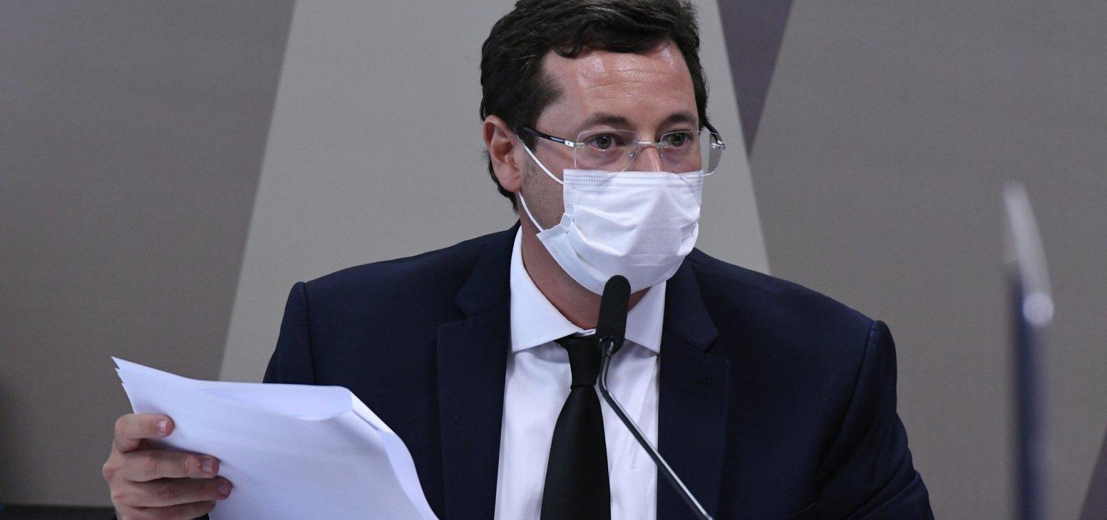 Questionado sobre frases de Bolsonaro contra vacinas, Wajngarten responde 'pergunte a ele' e irrita senadores