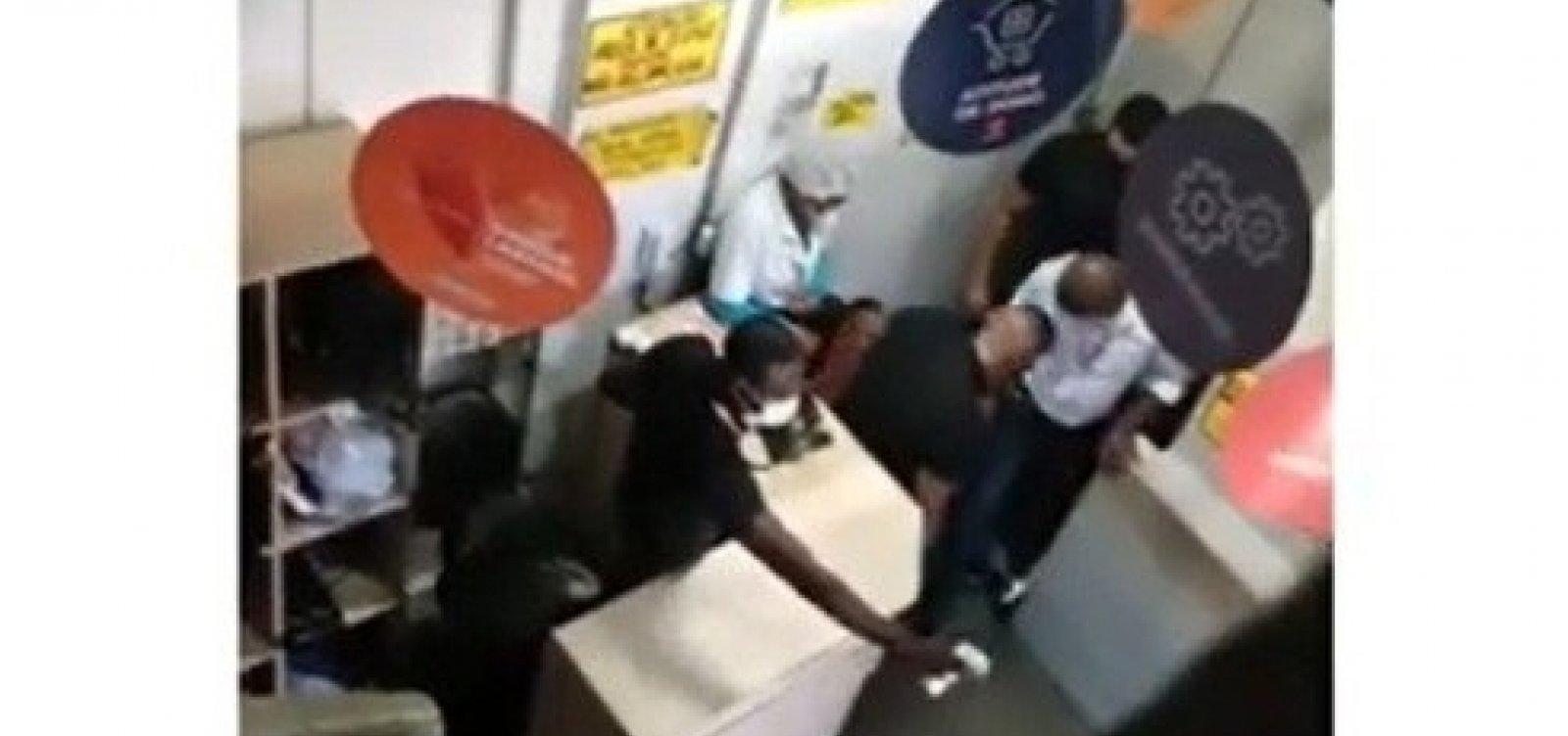 Oitavo suspeito de envolvimento no 'Caso Atakarejo' é preso em Salvador