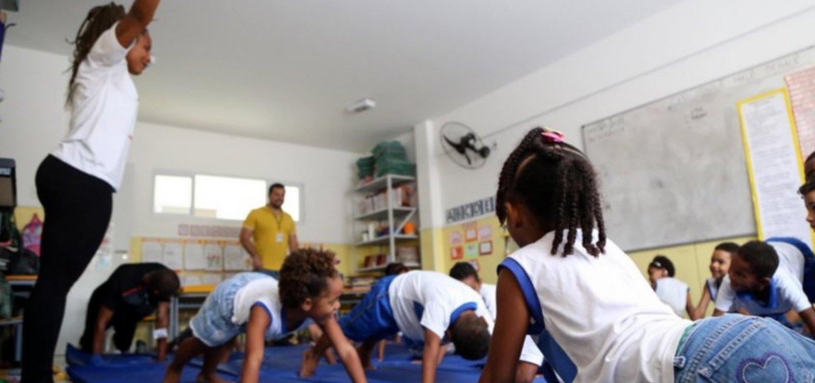 Agentes de educação da rede municipal de ensino pedem vacina