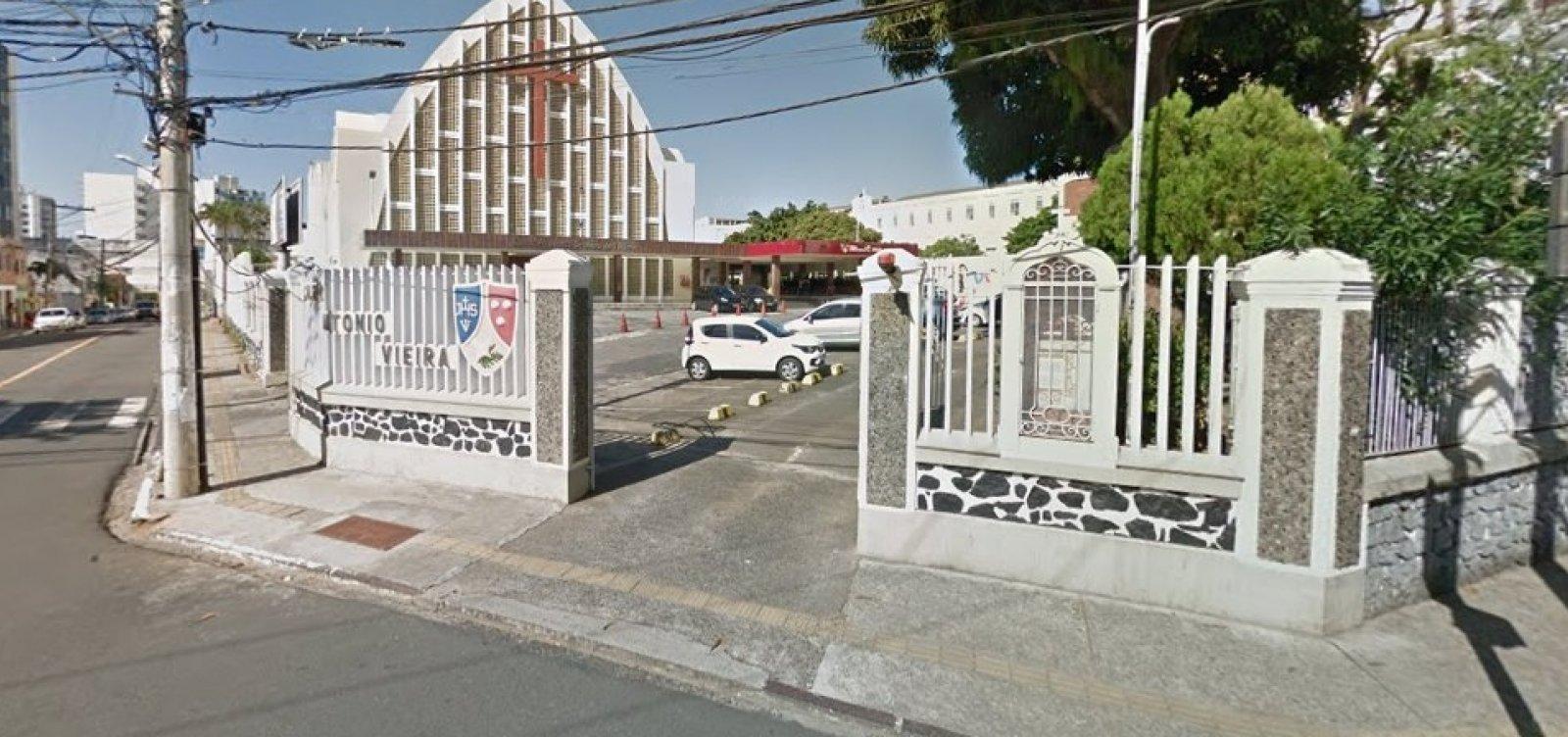 Sindicato critica colégio por manter aulas após caso de aluna com covid-19