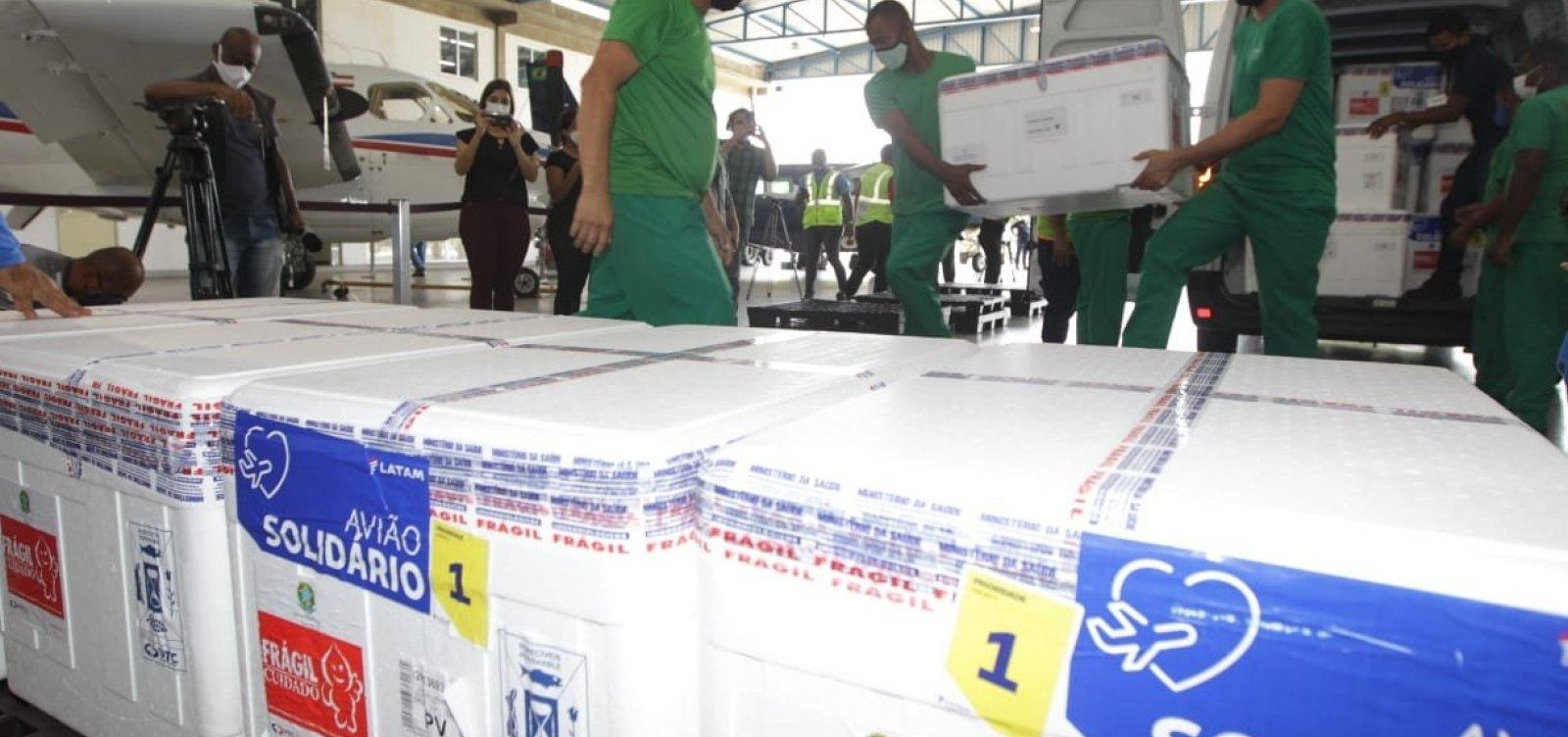 Chegam à Bahia 566 mil doses de vacinas contra a covid-19