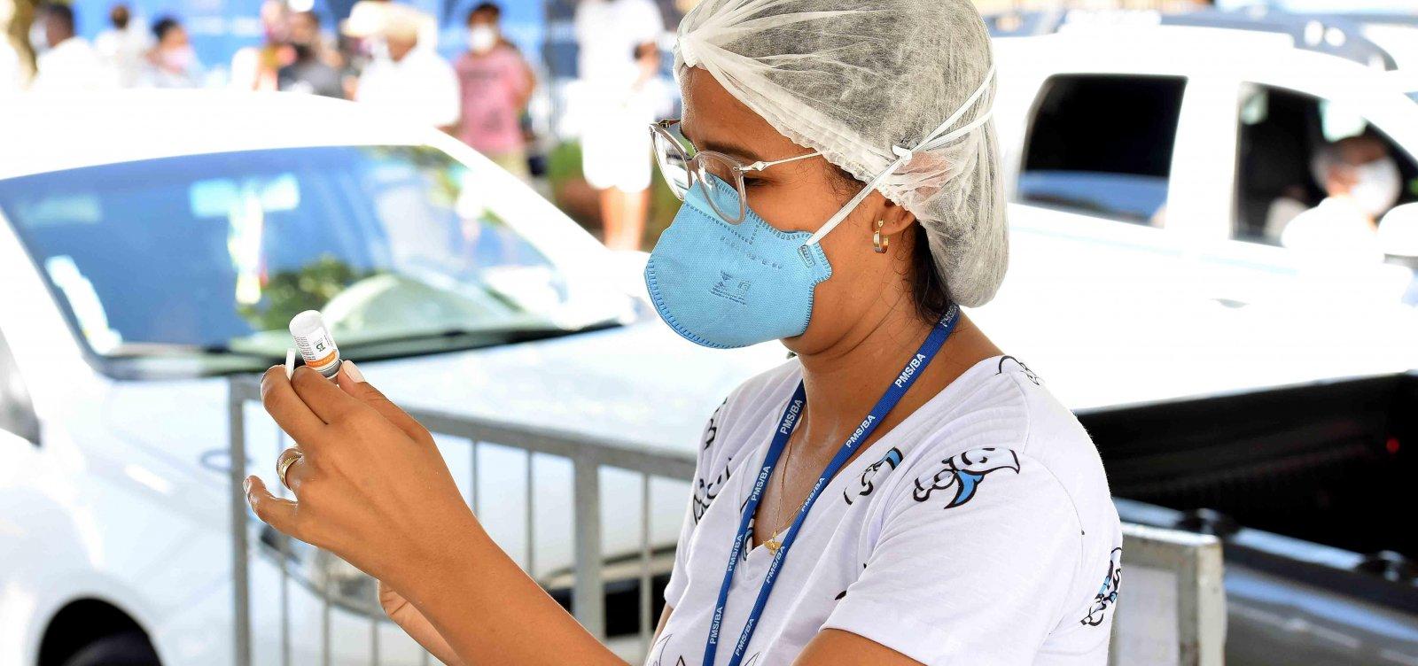 Salvador vacina pessoas com comorbidades a partir dos 18 anos nesta segunda