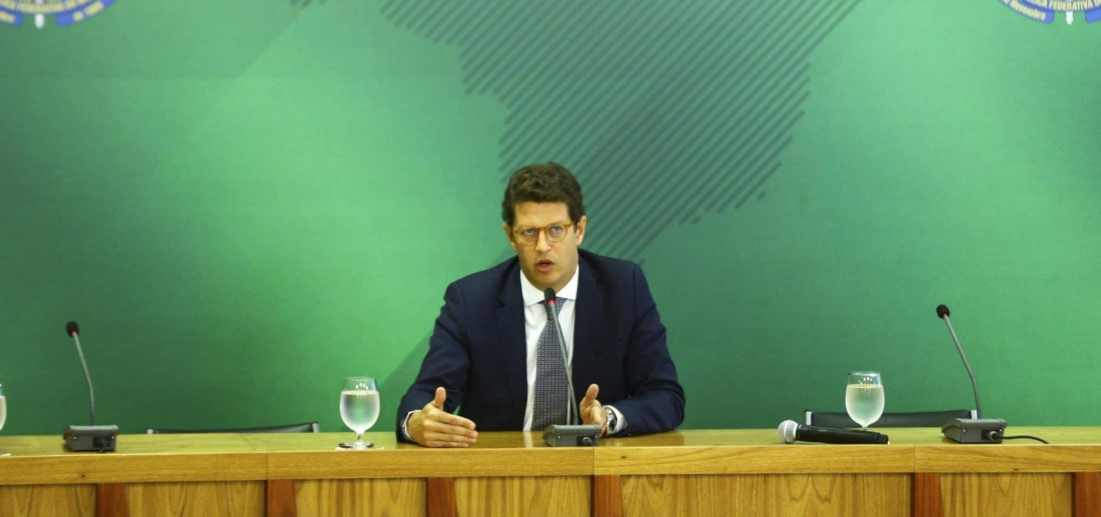 Na mira do STF, Ricardo Salles cumpre 'agenda positiva' no sul da Bahia