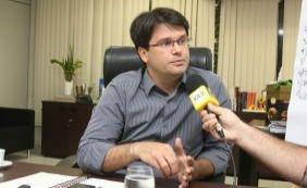 """Matrícula na rede municipal acontece """"sem filas e sem confusão"""", diz secretário"""