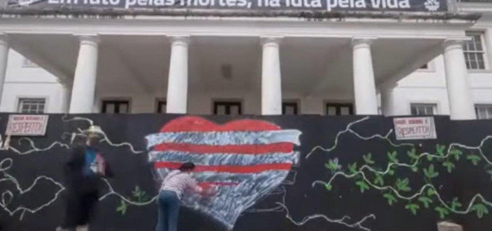 Ufba denuncia orçamento igual ao de 2010 e lembra vítimas da Covid-19