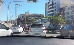 Segunda-feira é de trânsito complicado em Salvador