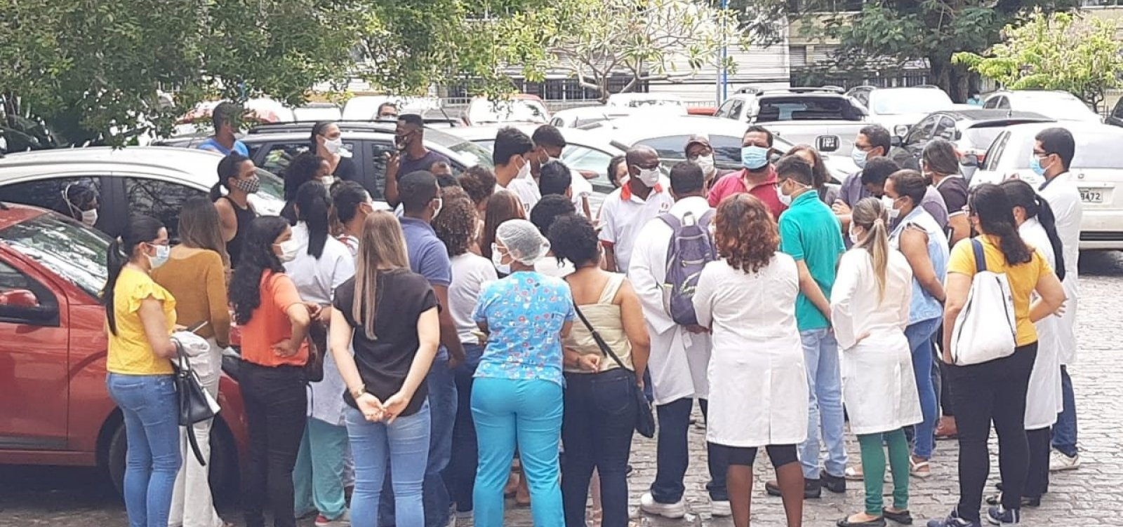 Decisão força retorno de trabalhadores no Hospital das Clínicas; categoria diz que mantém estado de greve