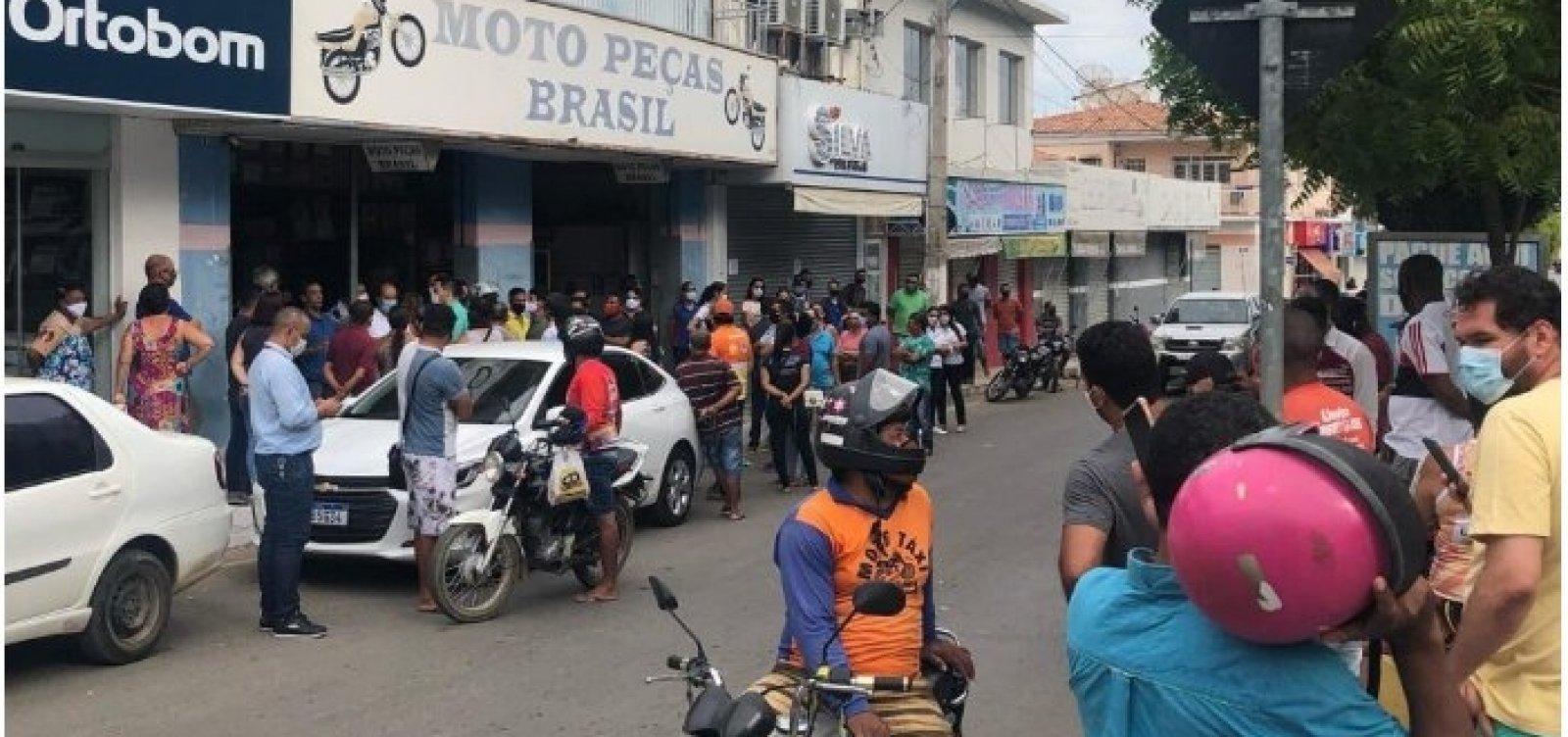 Comerciantes se recusam a cumprir decreto e protestam na região oeste
