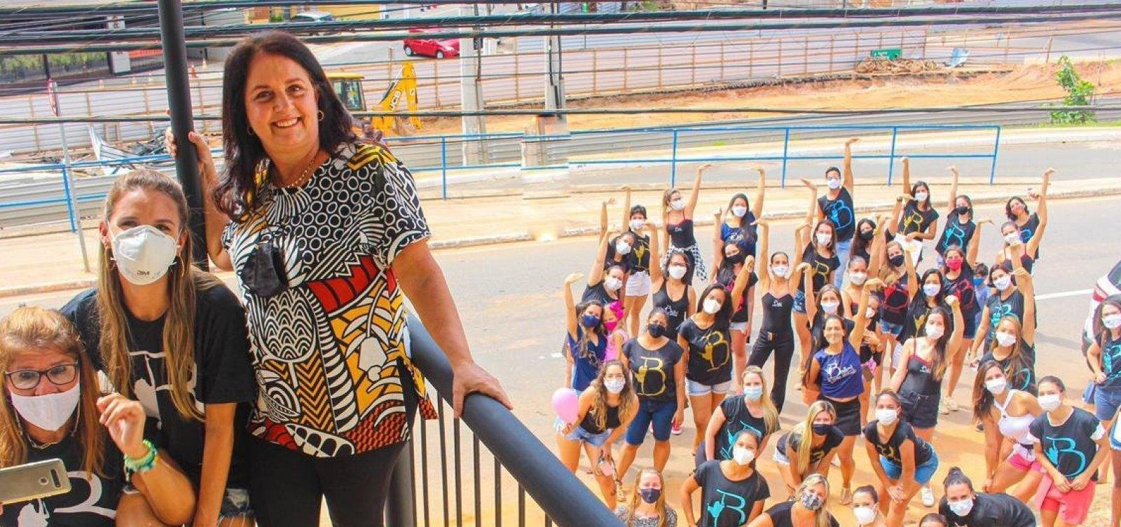 Ex-alunos fazem homenagem ao Ballet Rosana Abubakir