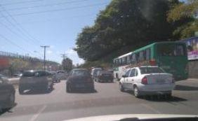 Trânsito apresenta intensidade na manhã desta sexta-feira; confira