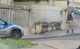 Presos cavam túnel e fogem de delegacia em Camaçari