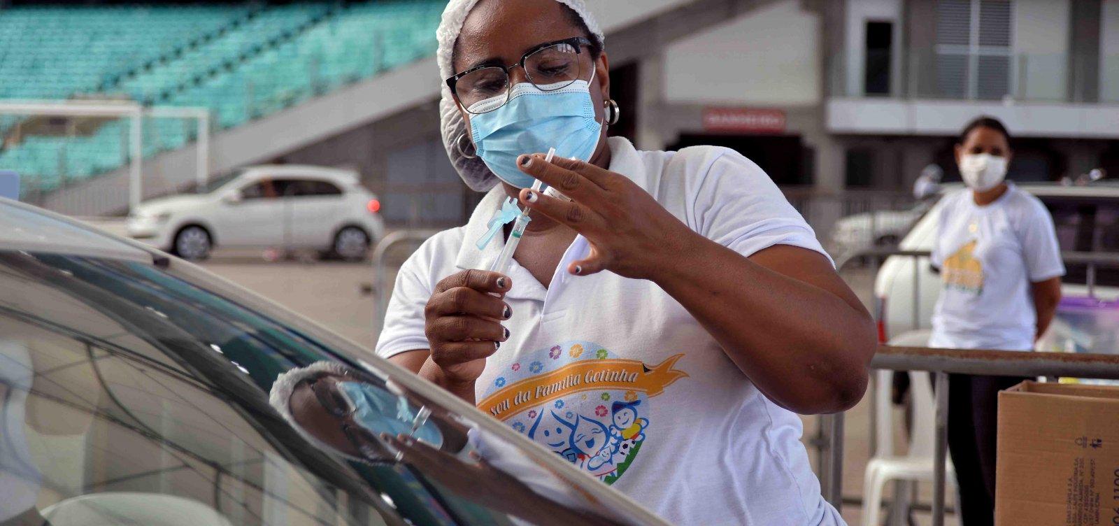 Salvador realiza mutirão de idade para vacinação e estende horário dos pontos até 21h nesta quinta-feira