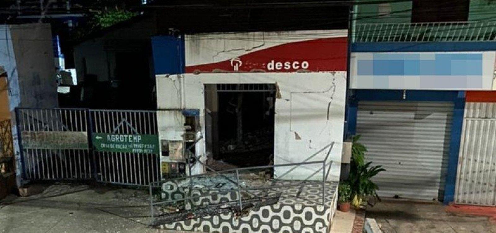 Bandidos explodem agência bancária em Camaçari; ataque é 25º na Bahia