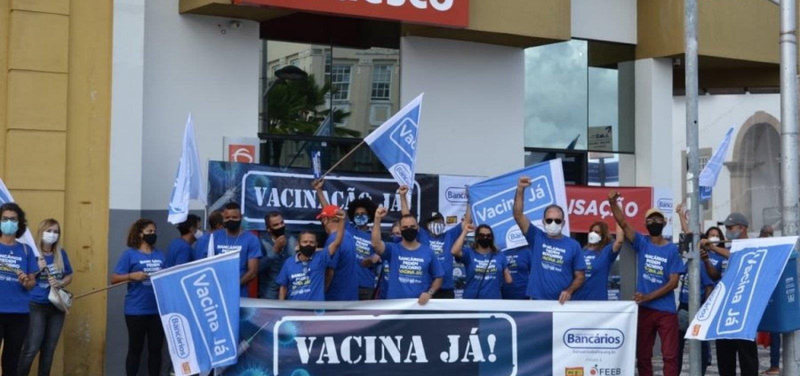 Bancários se articulam em Brasília para garantir vacinação, mas não descartam greve